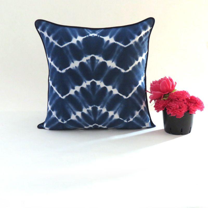 6dd119aa9ecd6 Designer Caftans, Women Clothing and Online Home Decor Shop - Oussum